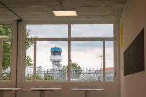 Luchthaven naast kantoor